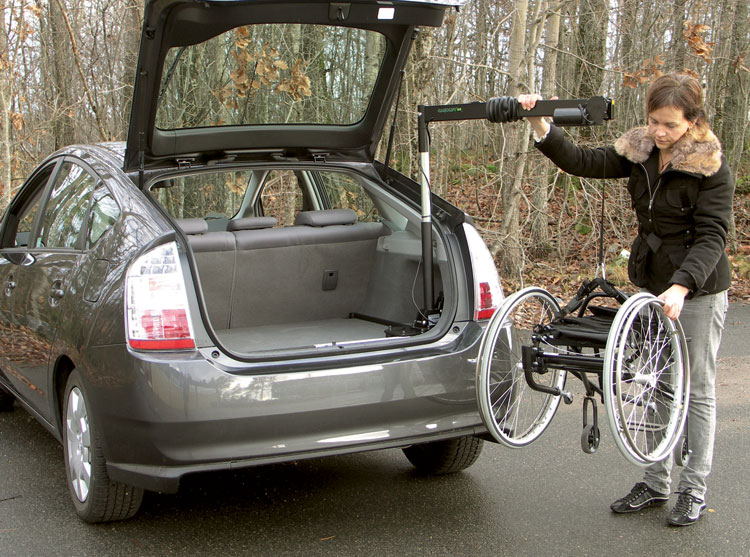 Wheelchair Lift For Car >> Hoists For Wheelchairs And Scooters Ergomobility